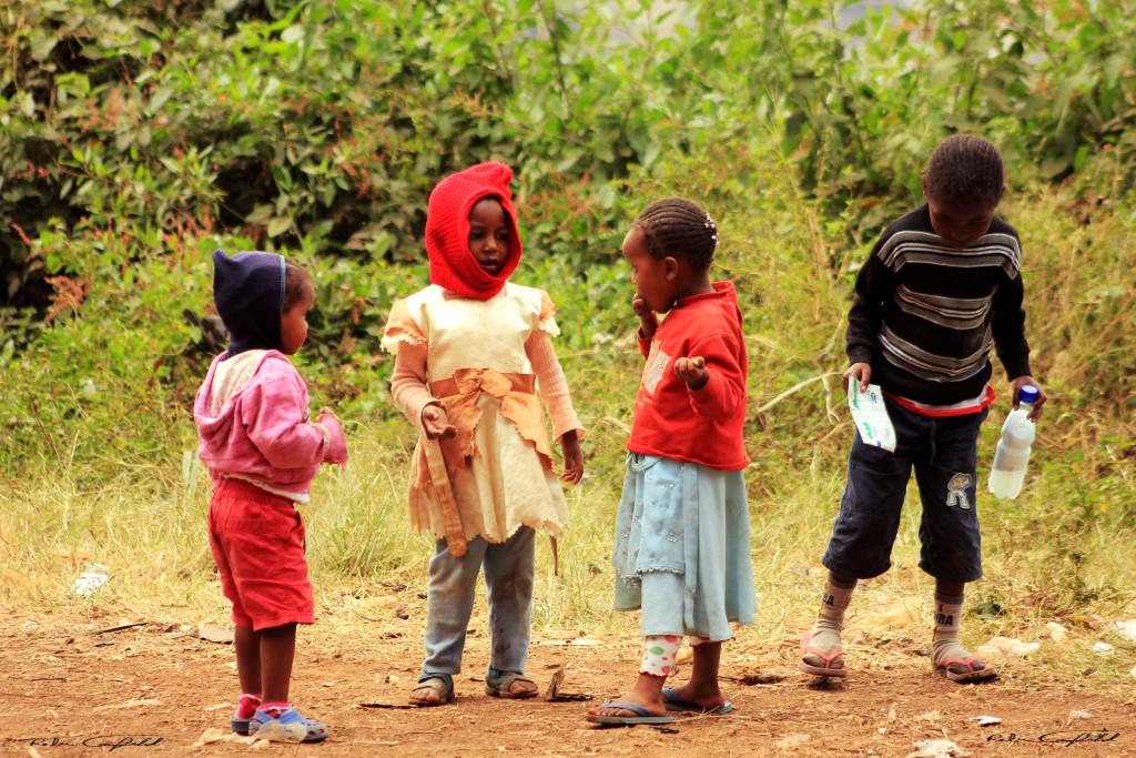 Kids playing in the Mithare slum. Nairobi, Kenya.