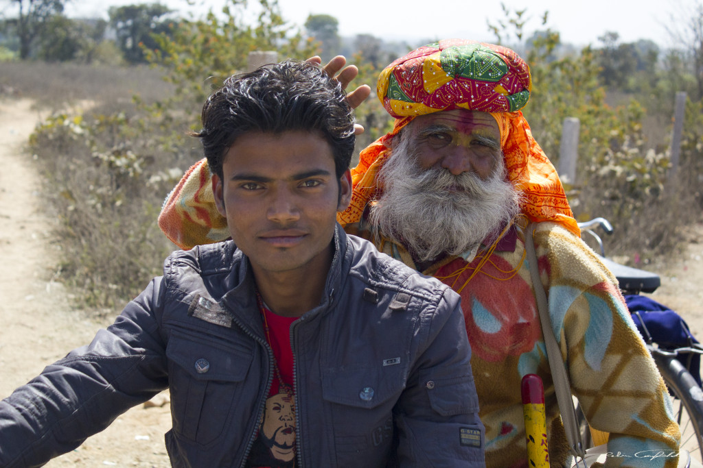 Festival-goers on the road to the Shiva Festival. Outside of Orchha, India